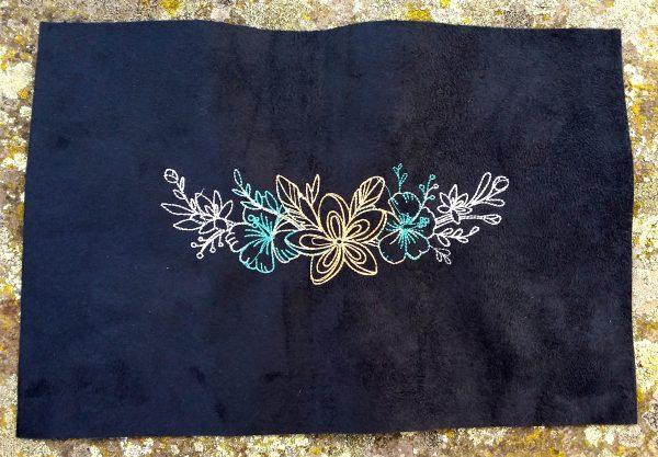 Coupon brodé fleurs bleu limalou